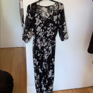 Black wi/ White Floral Long Sleeve Button Up Dress